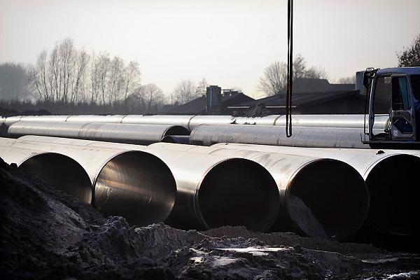 Nederland, Beuningen, 1-12-2009De Gasunie legt een nieuwe gasleiding aan. Het legt van Noord- naar Zuid-Nederland een nieuwe pijpleiding aan ter verbetering en uitbreiding van het gastransportnetwerk. Hier wordt gewerkt aan het traject tussen Angerlo en Beuningen.Foto: Flip Franssen/Hollandse Hoogte