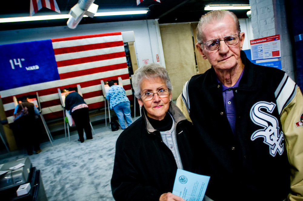 Shirley and George Bush have just voted. Shirley for Obama, George for McCain, because he has a problem with Obama's background...Väljarenkät i Chicago....Chris Maluszynski /Moment / Agence VU