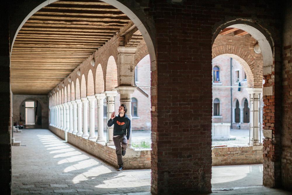 02 APR 2012 - Venezia, Giudecca - Fondazione Bevilacqua La Masa, atelier del Chiostro SS: Cosma e Damiano. Federico Barbon, artista del collettivo Dirtmor
