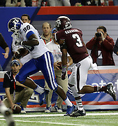 ATLANTA, GA - DECEMBER 31:  Tight end David Reeves #80 of the Duke Blue Devils tip toes near the sideline on his way to a fourth quarter touchdown in front of linebacker Tommy Sanders #3 of the Texas A&M Aggies during the Chick-fil-A Bowl game against the Texas A&M Aggies Duke Blue Devils at the Georgia Dome on December 31, 2013 in Atlanta, Georgia.  (Photo by Mike Zarrilli/Getty Images)