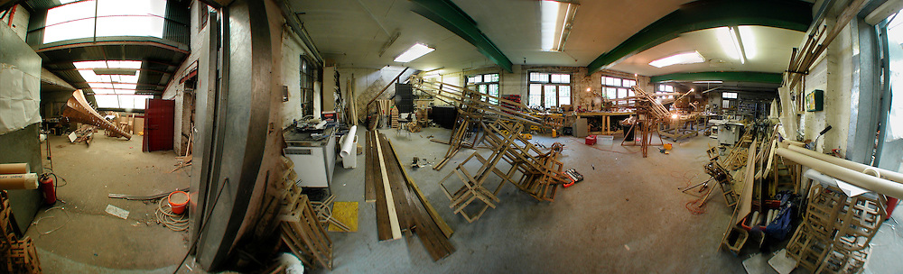 Conrad Shawcross's  studio in Clapton.  London E5. 13 September 2006. ONE TIME USE ONLY - DO NOT ARCHIVE  © Copyright Photograph by Dafydd Jones 66 Stockwell Park Rd. London SW9 0DA Tel 020 7733 0108 www.dafjones.com