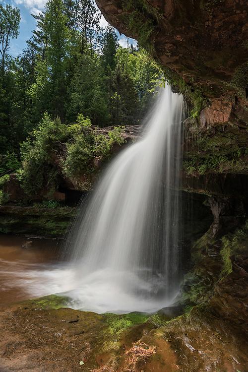 O Kun de Kun Falls<br /> Michigan's Western Upper Peninsula