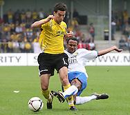 27-05-2007: Voetbal: VVV Venlo - RKC Waalwijk: Venlo<br /> RKC Waalwijk is gedegradeerd naar de Jupiler League.<br /> Cerezo Fung a Wing met een sliding op Ekrem Kahya<br /> foto : Geert van Erven