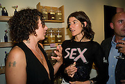 SAM RODDICK; BELLA FREUD, Neal's Yard Remedies Natural Beauty Honours and drinks party. King's Rd. London. 4 September 2008.  *** Local Caption *** -DO NOT ARCHIVE-© Copyright Photograph by Dafydd Jones. 248 Clapham Rd. London SW9 0PZ. Tel 0207 820 0771. www.dafjones.com.