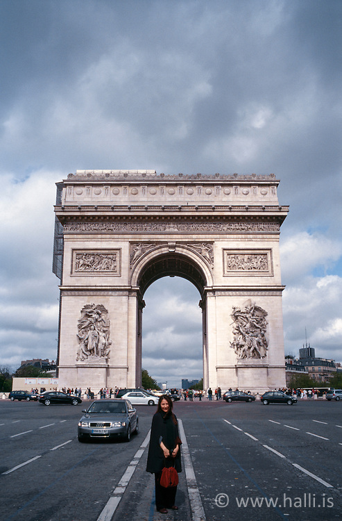 The Arc de Triomphe in Paris - Sigurboginn í París /