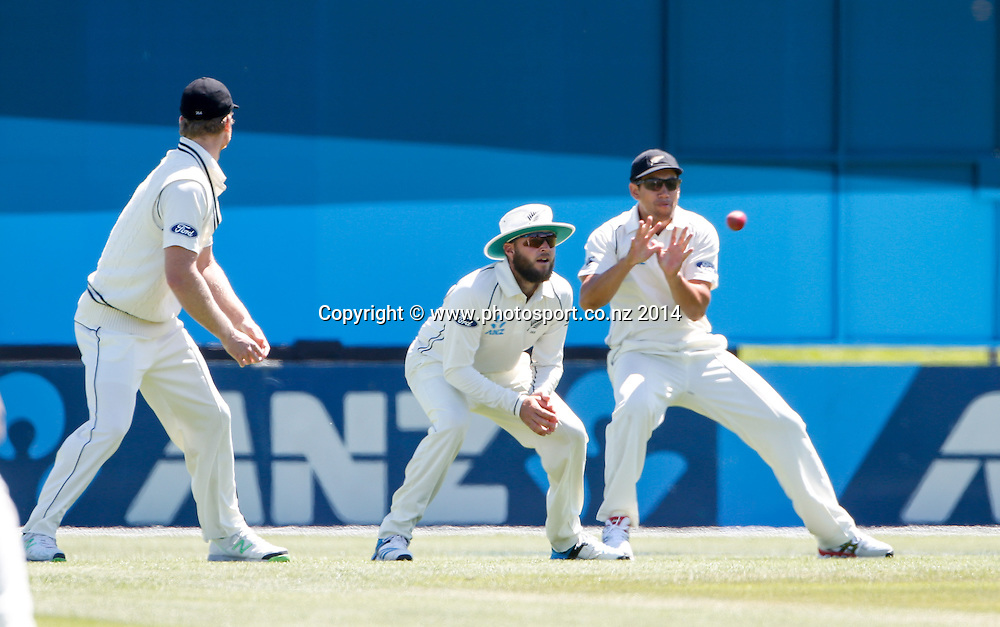 Ross Taylor takes a catch in the slips. Day 4, ANZ Boxing Day Cricket Test, New Zealand Black Caps v Sri Lanka, 29 December 2014, Hagley Oval, Christchurch, New Zealand. Photo: John Cowpland / www.photosport.co.nz