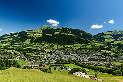 THEMENBILD - Der Blick in die Kitzbüheler Sportstadt mit dem Kitzbüheler Horn als Bergpanorama, aufgenommen am 26. Juni 2017, Kitzbühel, Österreich // The view into the Kitzbüheler Sportstadt with the Kitzbüheler Horn as a mountain panorama at the Streif, Kitzbühel, Austria on 2017/06/26. EXPA Pictures © 2017, PhotoCredit: EXPA/ Stefan Adelsberger