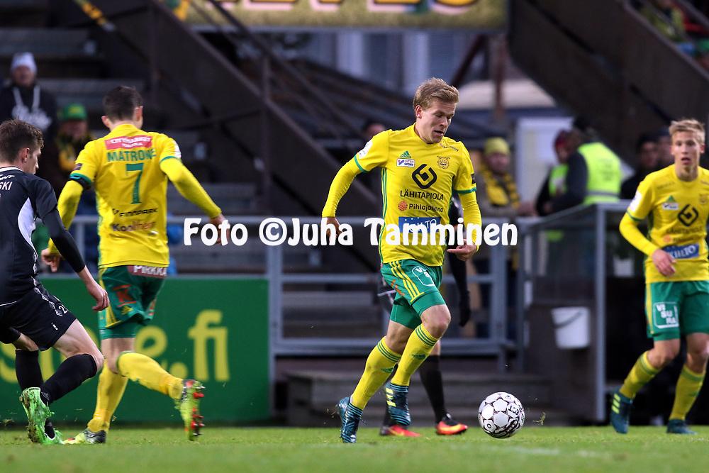 30.9.2017, Tammelan jalkapallostadion, Tampere<br /> Veikkausliiga 2017.<br /> Ilves - FC Lahti.<br /> Iiro J&auml;rvinen - Ilves