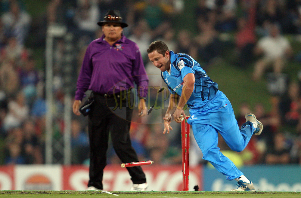 during the 2nd semi-final in the Karbonn Smart CLT20 between the Sydney Sixers and the Titans held at Supersport Park, Centurion, South Africa on the 26th October 2012. Photo by Jacques Rossouw/SPORTZPICS/CLT20