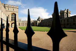 UK ENGLAND BERKSHIRE WINDSOR 2APR06 - Windsor Castle, residence of HM The Queen Elizabeth II. Windsor Castle is an official residence of The Queen and the largest occupied castle in the world. A Royal home and fortress for over 900 years, the Castle remains a working palace today...jre/Photo by Jiri Rezac..© Jiri Rezac 2006..Contact: +44 (0) 7050 110 417.Mobile:  +44 (0) 7801 337 683.Office:  +44 (0) 20 8968 9635..Email:   jiri@jirirezac.com.Web:    www.jirirezac.com..© All images Jiri Rezac 2006 - All rights reserved.