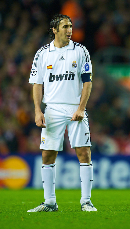 LIVERPOOL, ENGLAND - Tuesday, March 10, 2009: Real Madrid's captain Raul Gonzalez during the UEFA Champions League First Knockout Round 2nd Leg match against Liverpool at Anfield. (Photo by David Rawcliffe/Propaganda)