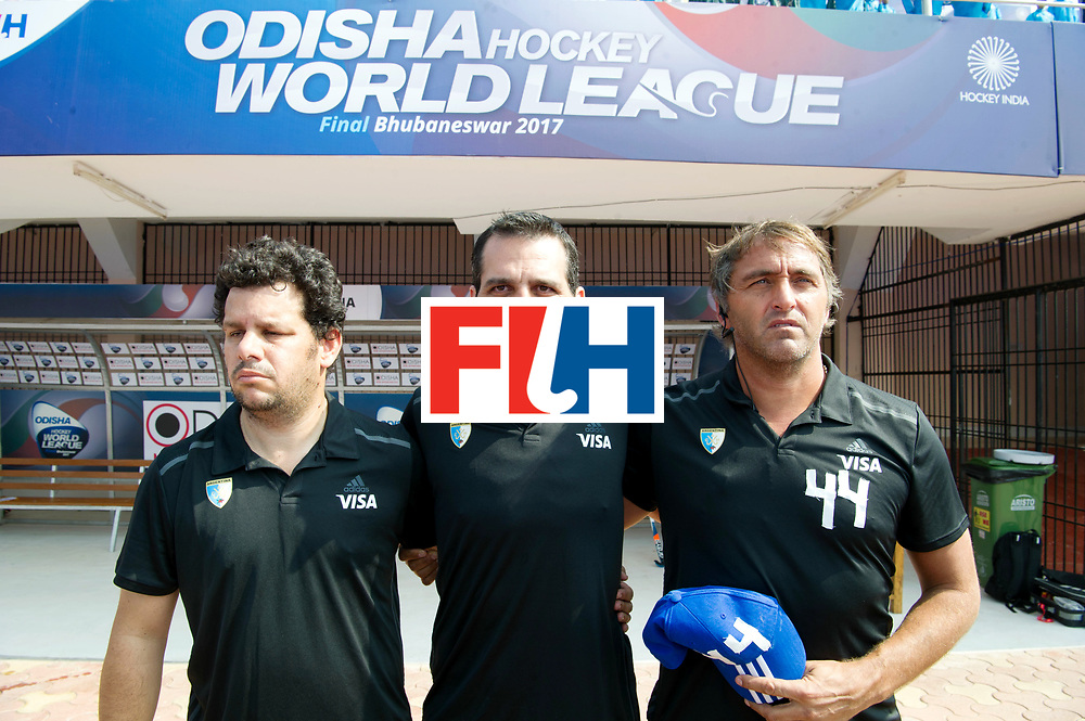 Odisha Men's Hockey World League Final Bhubaneswar 2017<br /> Match id:03<br /> Argentina v Belgium<br /> Foto: coach Carlos Retegui (Arg) (R) and his staf.<br /> WORLDSPORTPICS COPYRIGHT FRANK UIJLENBROEK