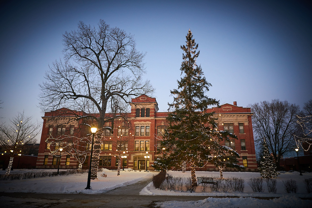 Buildings; Graff Main Hall; Location; Outside; Time/Weather; snowy; night; UWL UW-L UW-La Crosse University of Wisconsin-La Crosse; Christmas Holiday Lights