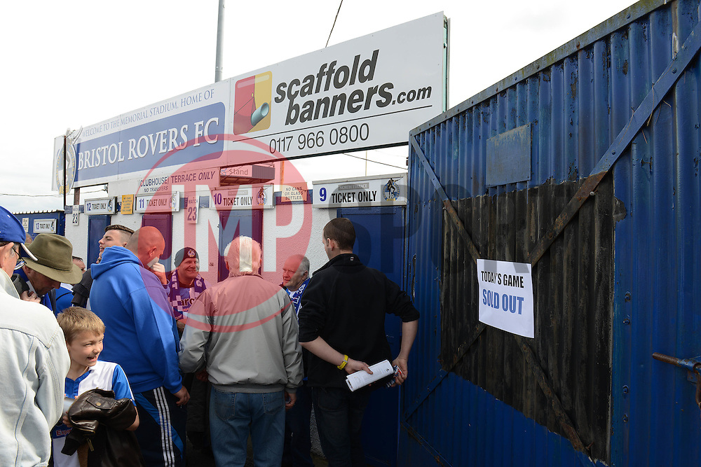 Fans queue outside the Memorial Stadium before turnstiles are opened - Photo mandatory by-line: Dougie Allward/JMP - Mobile: 07966 386802 - 25/04/2015 - SPORT - Football - Bristol - Memorial Stadium - Bristol Rovers v Alfreton Town - Vanarama Football Conference