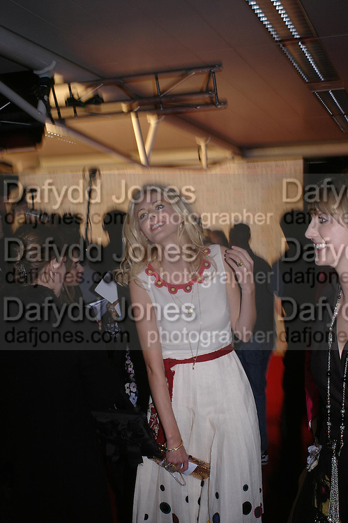 Donna Air. The Moet & Chandon Fashion Tribute 2005 to Matthew Williamson,  Old Billingsgate market, London. 16th February 2005. ONE TIME USE ONLY - DO NOT ARCHIVE  © Copyright Photograph by Dafydd Jones 66 Stockwell Park Rd. London SW9 0DA Tel 020 7733 0108 www.dafjones.com
