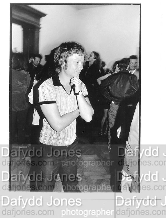 Simon Patterson, Sensation Opening, Royal Academy of art, 16th September 1997© Copyright Photograph by Dafydd Jones 66 Stockwell Park Rd. London SW9 0DA Tel 020 7733 0108 www.dafjones.com