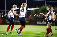 HUIZEN - hoofdklasse competitie dames, Huizen-Groningen . midden  Lara Kok (Huizen) heeft gescoord. Huizen komt op 1-1   COPYRIGHT KOEN SUYK