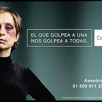 """Mexico, D.F.- La conductora de Television y periodista Carmen Aristegui en promocionales de la Campaña del Inmujeres en contra de la violencia hacia las mujeres """"El que golpea a una golpea a todas"""". Agencia MVT / Inmujeres. (DIGITAL)<br /> <br /> NO ARCHIVAR - NO ARCHIVE"""