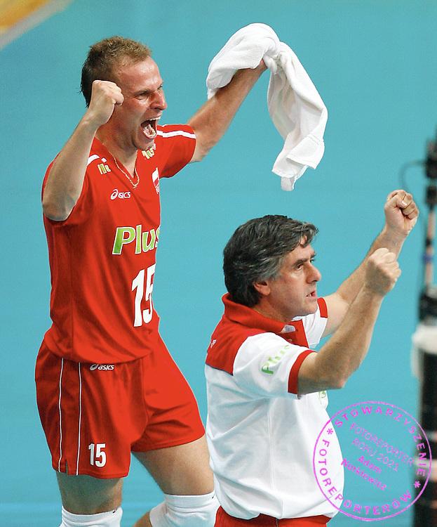 LODZ 25/05/2007.VOLLEYBALL WORLD LEAGUE 2007.POOL D INTERCONTINENTAL ROUND.POLAND v CHINA.RAUL LOZANO AND PIOTR GACEK.FOT. PIOTR HAWALEJ / WROFOTO