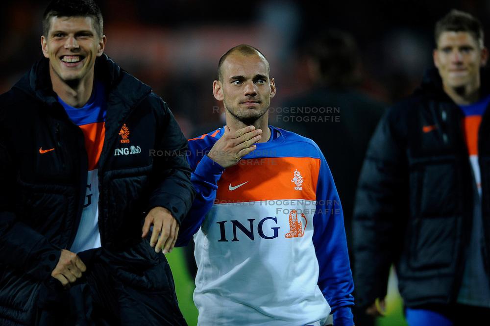 01-06-2010 VOETBAL: NEDERLAND - GHANA: ROTTERDAM<br /> Nederland wint vrij eenvoudig de oefenwedstrijd van Ghana / Klaas Jan Huntelaar en Wesley Sneijder<br /> &copy;2010-WWW.FOTOHOOGENDOORN.NL