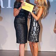 NLD/Amsterdam/20121112 - Beau Monde Awards 2012, hoofdredactrice Mies en Sylvie van der Vaart