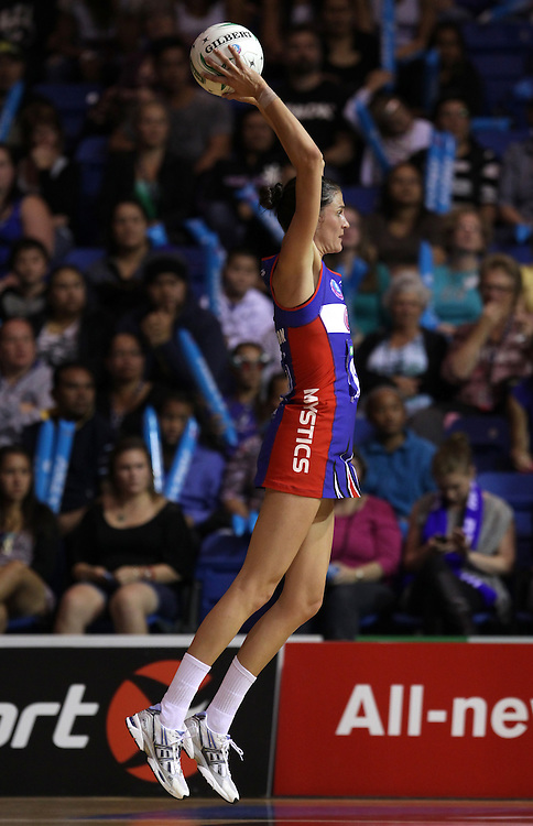 Mystics' Anna Harrison in action against the Thunderbirds in round 4 of the 2012 ANZ Netball Championship, Trusts Stadium, Auckland, New Zealand, Sunday, April 22, 2012.  Credit:SNPA / David Rowland