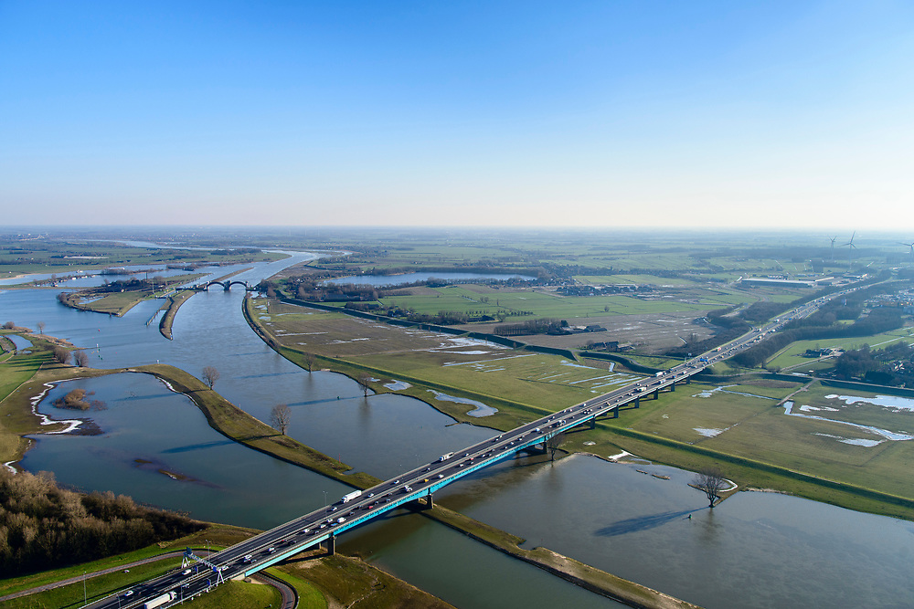 Nederland, Utrecht, Nieuwegein, 07-02-2018; Lekbrug in A27 over De Lek, brug Hagestein (Hagesteinsebrug). Uiterwaarden bij hoogwater.<br /> Lekbridge A27, river Lek bridge Hagestein<br /> <br /> luchtfoto (toeslag op standard tarieven);<br /> aerial photo (additional fee required);<br /> copyright foto/photo Siebe Swart