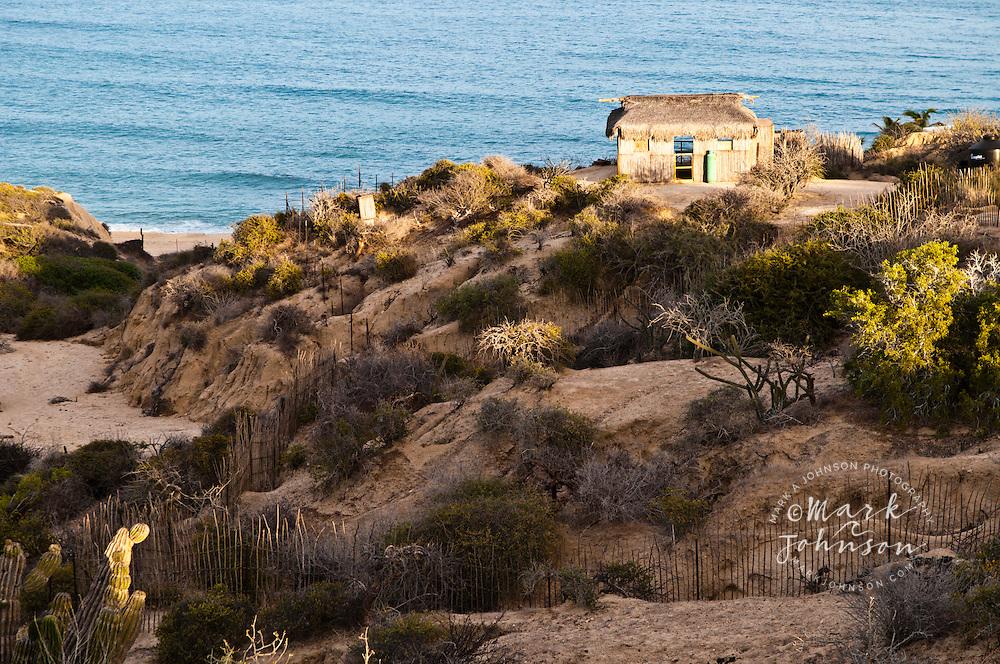 Hut overlooking the Sea of Cortez, Distilideros, Baja California Sur, Mexico