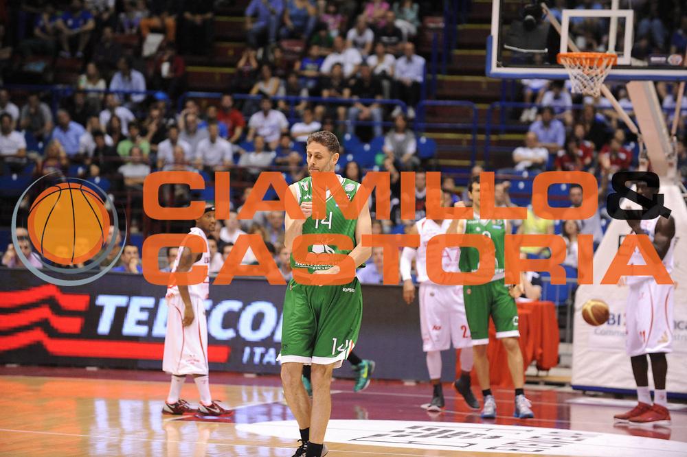 DESCRIZIONE : Milano Lega A 2012-13 Play Off Quarti di Finale Gara2 EA7 Olimpia Armani Milano Montepaschi Siena<br /> GIOCATORE : Tomas Ress<br /> CATEGORIA : esultanza<br /> SQUADRA : EA7 Olimpia Armani Milano Montepaschi Siena<br /> EVENTO : Campionato Lega A 2012-2013 Play Off Quarti di Finale Gara2<br /> GARA : EA7 Olimpia Armani Milano Montepaschi Siena<br /> DATA : 12/05/2013<br /> SPORT : Pallacanestro<br /> AUTORE : Agenzia Ciamillo-Castoria/M.Marchi<br /> Galleria : Lega Basket A 2012-2013<br /> Fotonotizia : Milano Lega A 2012-13 EA7 Olimpia Armani Milano Montepaschi Siena<br /> Predefinita :
