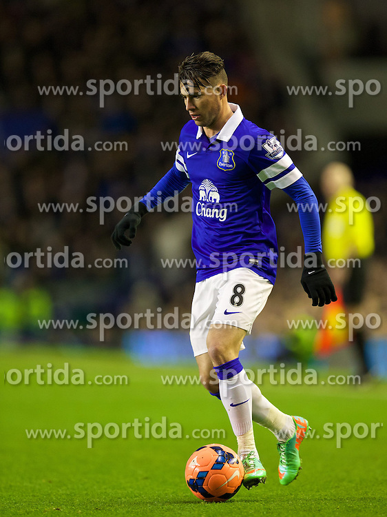 04.01.2014, Goodison Park, Liverpool, ENG, FA Cup, FC Everton vs Queens Park Rangers, 3. Runde, im Bild Everton's Bryan Oviedo, action against Queens Park Rangers // during the English FA Cup 3rd round match between Everton FC and Queens Park Rangers at the Goodison Park in Liverpool, Great Britain on 2014/01/04. EXPA Pictures &copy; 2014, PhotoCredit: EXPA/ Propagandaphoto/ David Rawcliffe<br /> <br /> *****ATTENTION - OUT of ENG, GBR*****