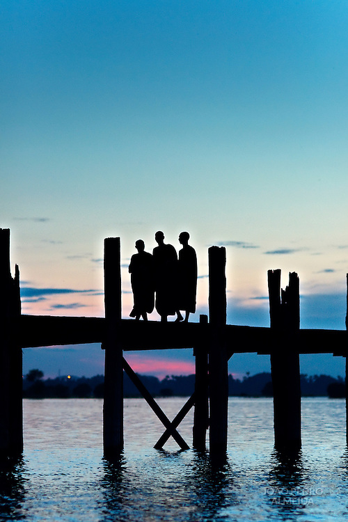 U Bein bridge by sunset