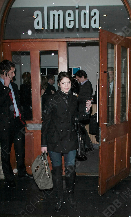 01.DECEMBER.2010 LONDON.<br /> <br /> GEMMA ARTERTON LEAVING THE ALMEIDA THEATER IN ISLINGTON NORTH LONDON.<br /> <br /> BYLINE: EDBIMAGEARCHIVE.COM<br /> <br /> *THIS IMAGE IS STRICTLY FOR UK NEWSPAPERS AND MAGAZINES ONLY*<br /> *FOR WORLD WIDE SALES AND WEB USE PLEASE CONTACT EDBIMAGEARCHIVE - 0208 954 5968*