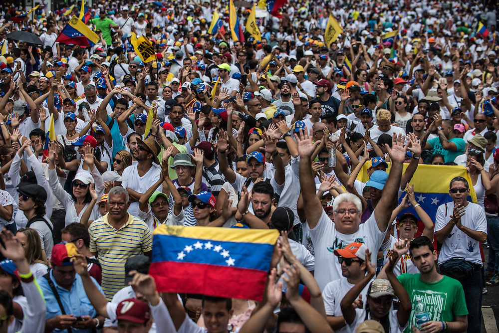 CARACAS, VENEZUELA - SEPTEMBER 1, 2016: Hundreds of thousands of Venezuelans marched in protest against the Socialist government and condition of their country today.  PHOTO: Meridith Kohut for The New York Times