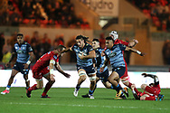 Josh Navidi of Cardiff Blues &copy; breaks past Hadleigh Parkes of the Scarlets (l). . Guinness Pro14 rugby match, Scarlets v Cardiff Blues  at the Parc y Scarlets in Llanelli, West Wales on Saturday 28th October 2017.<br /> pic by  Andrew Orchard, Andrew Orchard sports photography.