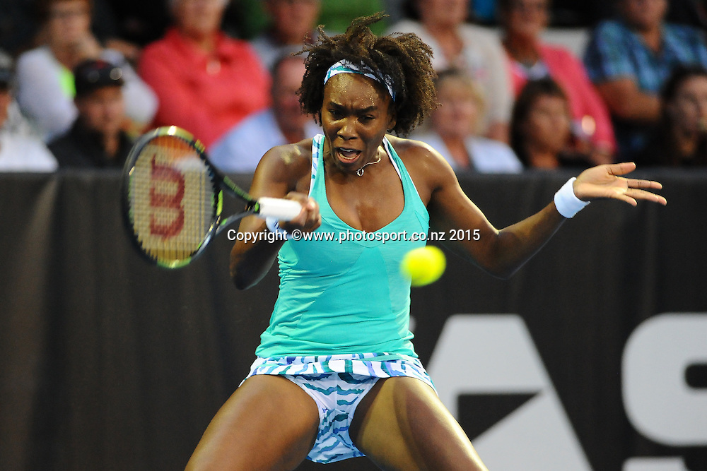 Venus Williams of the USA during her Semi Finals match of the ASB Classic Women's International. ASB Tennis Centre, Auckland, New Zealand. Friday 9 January 2015. Copyright photo: Chris Symes/www.photosport.co.nz