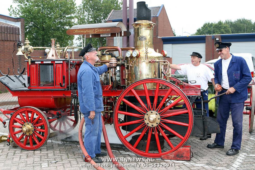 NLD/Huizen/20070908 - Huizerdag 2007, stoompomp bij de open dag van de Huizer brandweer
