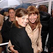 NLD/Amsterdam/20070507 - Herpremiere Interview,