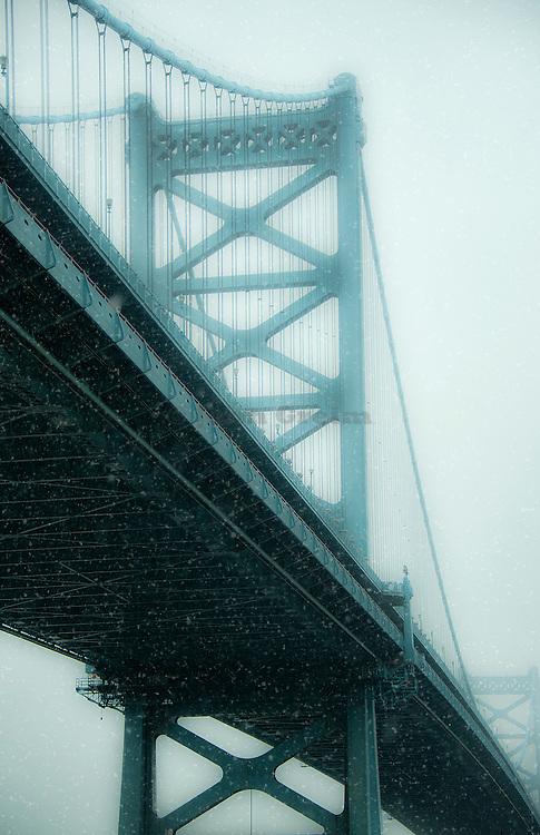 Ben Franklin Bridge in bad weather, Philadelphia, Pennsylvania, USA