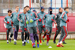 14.03.2019, Säbener Strasse, Muenchen, GER, 1. FBL, FC Bayern Muenchen vs 1. FSV Mainz 05, Training, im Bild v.l. Wooyeong Jeong (FC Bayern), Christian Früchtl (FC Bayern), Lars Lukas Mai (FC Bayern), Sven Ulreich (FC Bayern), Jerome Boateng (FC Bayern), Kingsley Coman (FC Bayern), Prof. Dr. Holger Broich (FC Bayern), Leon Goretzka (FC Bayern) // during a trainings session before the German Bundesliga 26th round match between FC Bayern Muenchen and 1. FSV Mainz 05 at the Säbener Strasse in Muenchen, Germany on 2019/03/14. EXPA Pictures © 2019, PhotoCredit: EXPA/ Lukas Huter