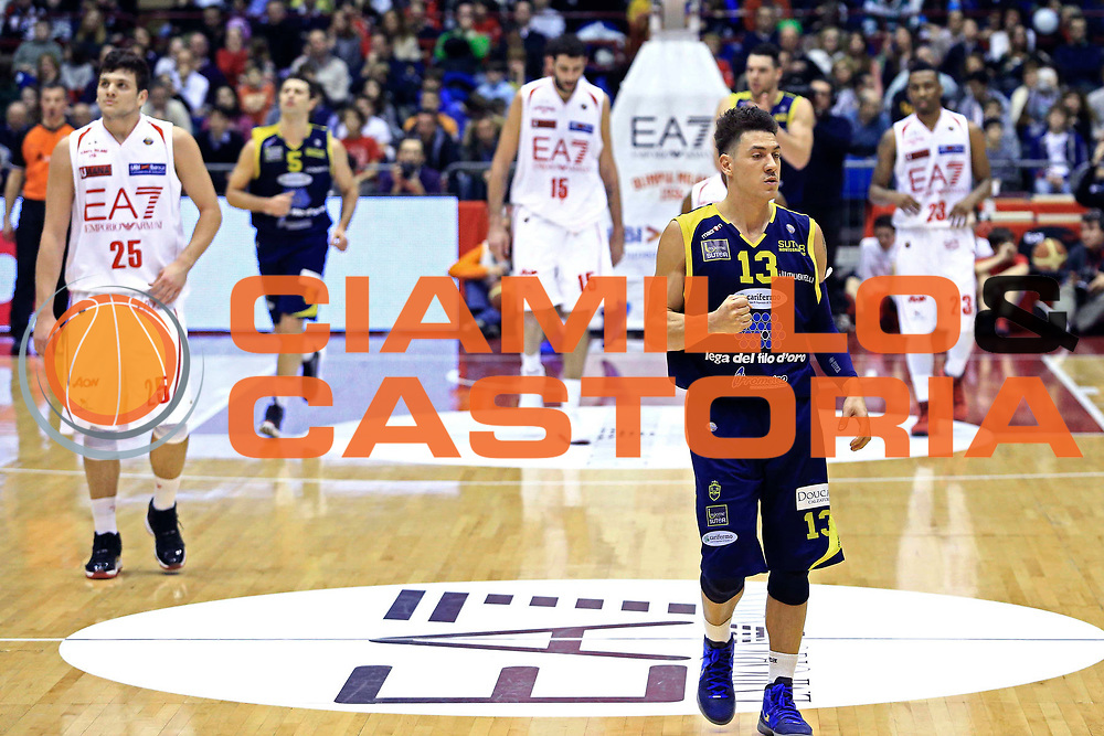DESCRIZIONE : Milano Campionato Beko Lega A 2012-2013 EA7 Emporio Armani Milano  Sutor Montegranaro<br /> GIOCATORE : Fabio Di Bella<br /> CATEGORIA : esultanza<br /> SQUADRA : Sutor Montegranaro<br /> EVENTO : Campionato Beko Lega A 2012-2013 <br /> GARA : EA7 Emporio Armani Milano  Sutor Montegranaro<br /> DATA : 24/03/2013<br /> SPORT : Pallacanestro <br /> AUTORE : Agenzia Ciamillo-Castoria/I.Mancini<br /> Galleria :  Campionato Beko Lega A 2012-2013 <br /> Fotonotizia : Milano Campionato Beko Lega A 2012-2013 EA7 Emporio Armani Milano  Sutor Montegranaro<br /> <br /> Predefinita :