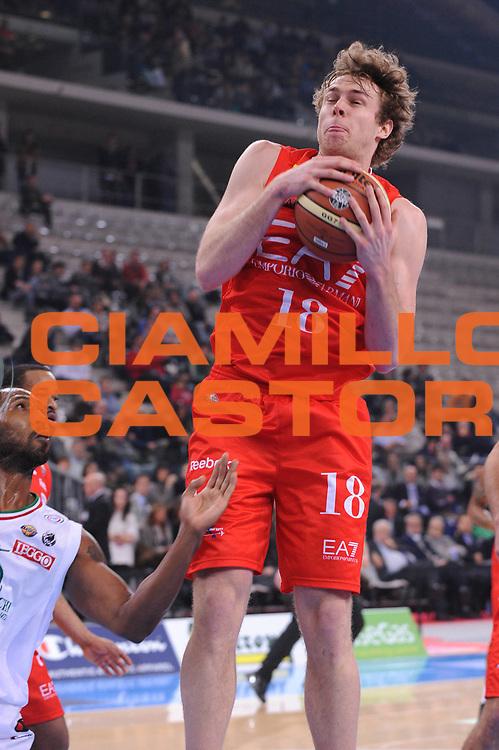 DESCRIZIONE : Torino Coppa Italia Final Eight 2012 Semifinale Montepaschi Siena EA7 Emporio Armani Milano<br /> GIOCATORE : Niccolo Melli<br /> CATEGORIA : rimbalzo<br /> SQUADRA : EA7 Emporio Armani Milano<br /> EVENTO : Suisse Gas Basket Coppa Italia Final Eight 2012<br /> GARA : Montepaschi Siena EA7 Emporio Armani Milano<br /> DATA : 18/02/2012<br /> SPORT : Pallacanestro<br /> AUTORE : Agenzia Ciamillo-Castoria/M.Marchi<br /> Galleria : Final Eight Coppa Italia 2012<br /> Fotonotizia : Torino Coppa Italia Final Eight 2012 Semifinale Montepaschi Siena EA7 Emporio Armani Milano<br /> Predefinita :