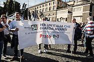 Emiliano Albensi<br /> 29/10/2016 Roma (Italia)<br /> Manifestazione PD Basta un S&igrave;<br /> Nella foto: alcuni momenti della manifestazione &quot;Basta un s&igrave;&quot; a piazza del Popolo<br /> <br /> Emiliano Albensi<br /> 29/10/2016 Rome (Italy)<br /> Democratic Party demonstration in support of the Constitutional Reform referendum<br /> In the picture: moments of the demonstration &quot;Basta un s&igrave;&quot; (Just a Yes) in People's Square