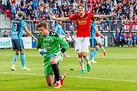 ALKMAAR - 25-05-2017, AZ, - FC Utrecht, AFAS Stadion, AZ speler Wout Weghorst juicht nadat hij de 2-0 heeft gescoord, juichen, teleurstelling, FC Utrecht keeper David Jensen