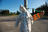 Pupazzi  in memoria di incidente mortale, via Laurentina - puppets along the street in memory of a fatal car accident.