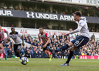 Football - 2016 / 2017 Premier League - Tottenham Hotspur vs. Southampton<br /> <br /> Dele Alli of Tottenham strikes hoime from the penalty spot at White Hart Lane.<br /> <br /> COLORSPORT/DANIEL BEARHAM