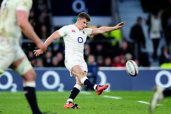 Owen Farrell of England kicks for the posts - Mandatory byline: Patrick Khachfe/JMP - 07966 386802 - 27/02/2016 - RUGBY UNION - Twickenham Stadium - London, England - England v Ireland - RBS Six Nations.