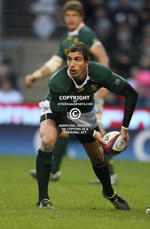 LONDON, ENGLAND - NOVEMBER 27, Ruan Pienaar during the End of Year tour match between England and South Africa at Twickenham Stadium on November 27, 2010 in London, England<br /> Photo by Steve Haag / Gallo Images