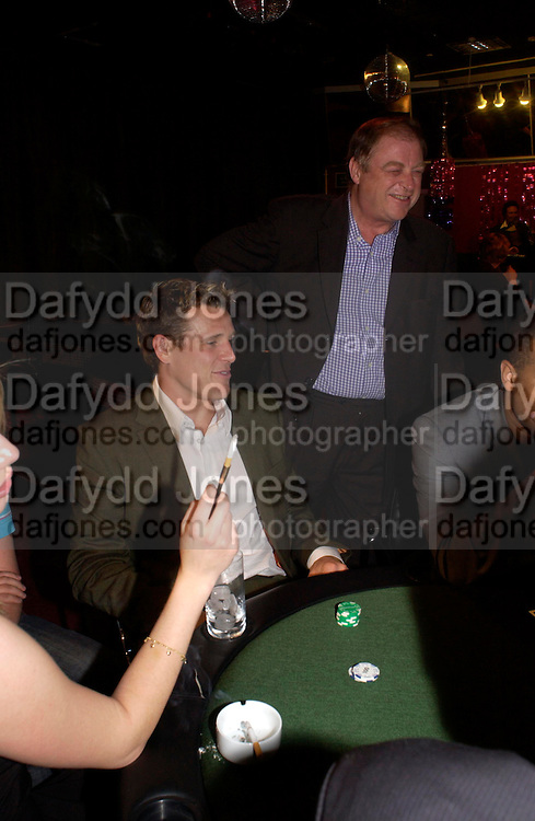 James Cracknell and Anthony Holden. PARTYPOKER.COM masterclass hosted by poker author Tony Holden. Ultra Lounge, Selfridges. 11 May 2005. ONE TIME USE ONLY - DO NOT ARCHIVE  © Copyright Photograph by Dafydd Jones 66 Stockwell Park Rd. London SW9 0DA Tel 020 7733 0108 www.dafjones.com