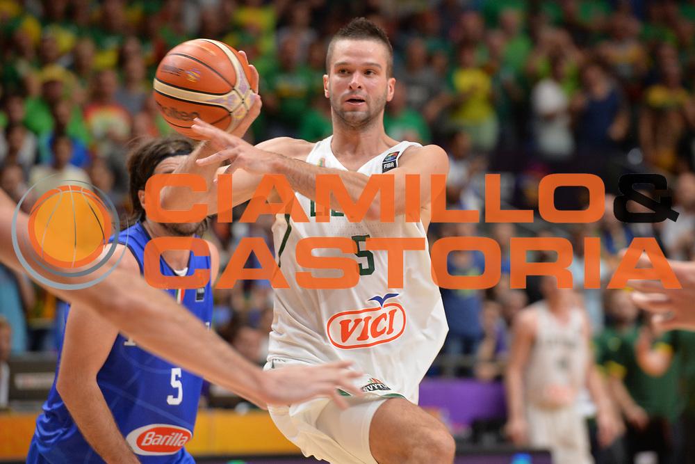 Mantas Kalnietis<br /> Nazionale Italiana Maschile Senior<br /> Eurobasket 2017 - Group Phase<br /> Lituania - Italia<br /> FIP 2017<br /> Tel Aviv, 03/09/2017<br /> Foto Ciamillo - Castoria/ M.Longo