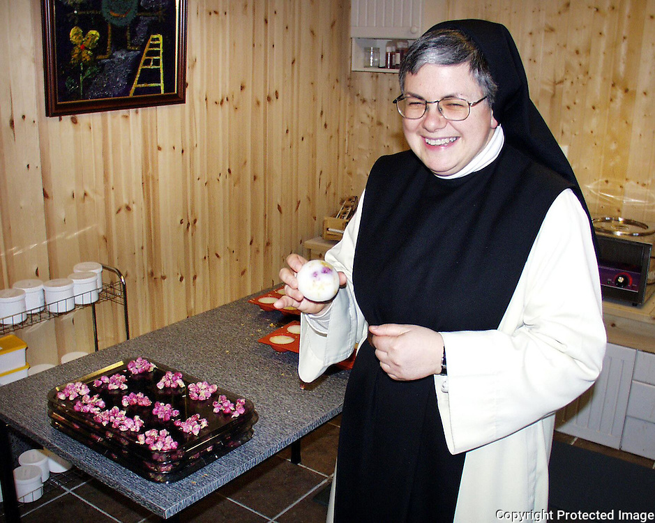 Gilchrist Lavigne, Tautra, med bryllups-såper laget til Märtha og Aris bryllup...dig The nuns at Tautra Mariakloster (monastery) lived at a small farm until they got a new monastery in 2006. The nuns in Tautra make handmade soaps.